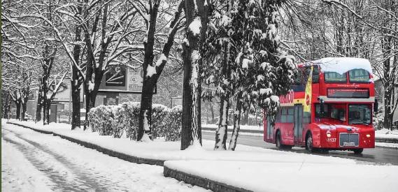 Автобусите на ЈСП на снег возат со летни гуми?