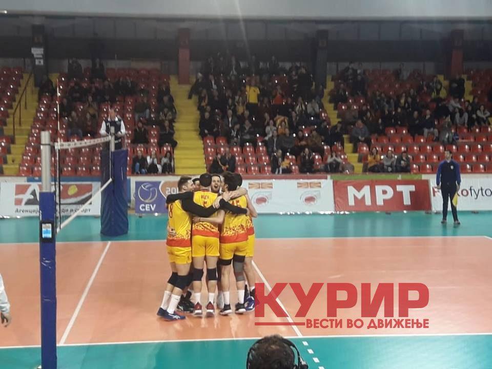 ИСТОРИСКИ УСПЕХ: Македонските одбојкари се пласираа на Европско првенство