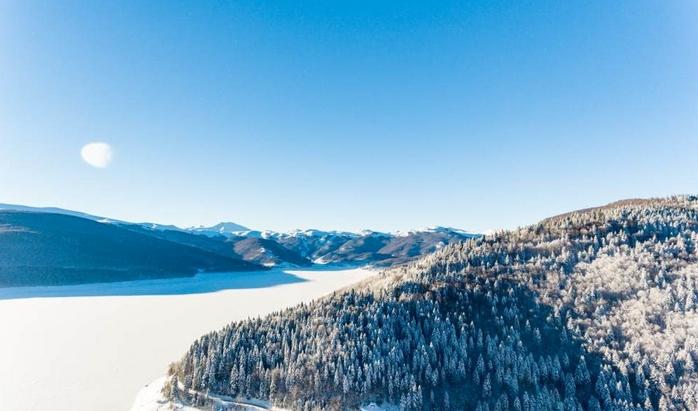 Бесплатно скијање за деца во ски-центар Маврово