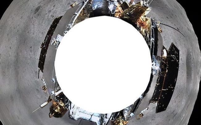 ПРВА ФОТОГРАФИЈА: Стапнаа на задната страна на месечината (ФОТО)