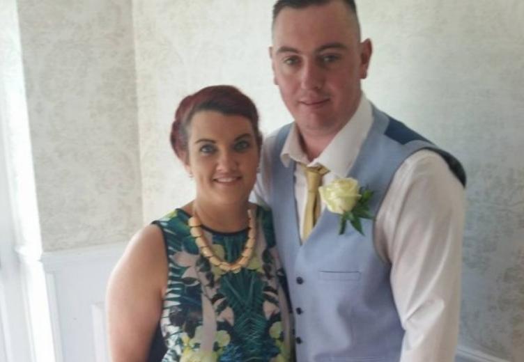 Земала 13.000 фунти и избегала: Младоженецот и гостите изиграни од невестата, причината е освета