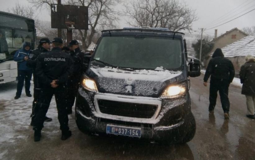 Населението евакуирано: Се преврте цистерна во близина на Ниш