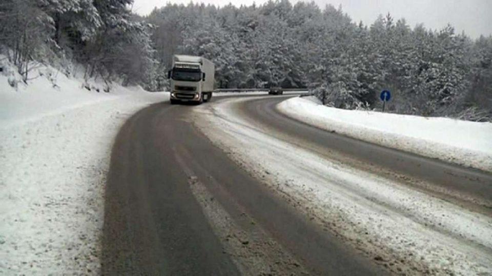 Забрана за сообраќај на камиони на планинскиот превој Буково