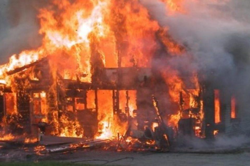 Пожарот кај кавадаречко се доближува до првите куќи