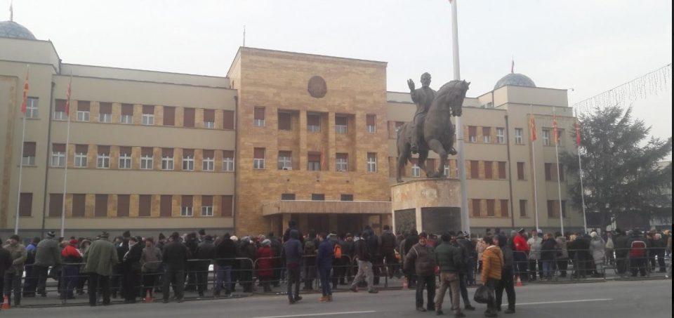 Пензионери, социјалци и стечајци на удар од државата: Пазарџиите денес на протест, тезгите празни