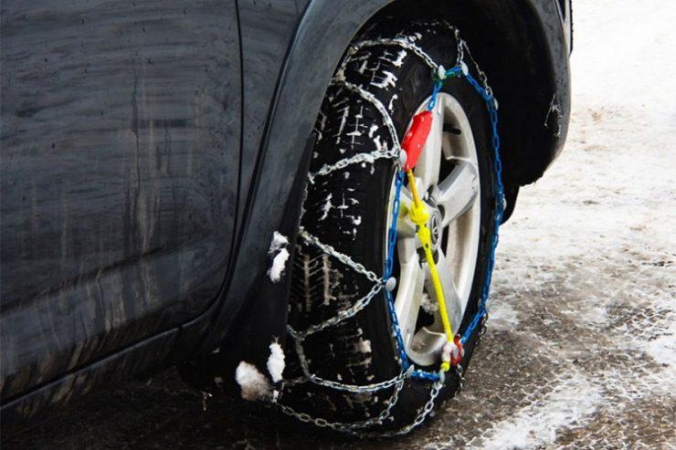 Подгответе го возилото обезбедете зимска опрема: Што треба да имате од 15 ноември?