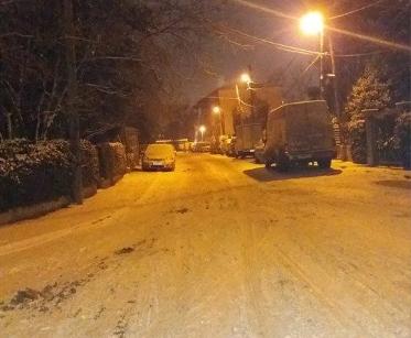 Улиците во Гази Баба затрупани од снег: Граѓаните изреволтирани, градоначалникот не ги слуша повиците