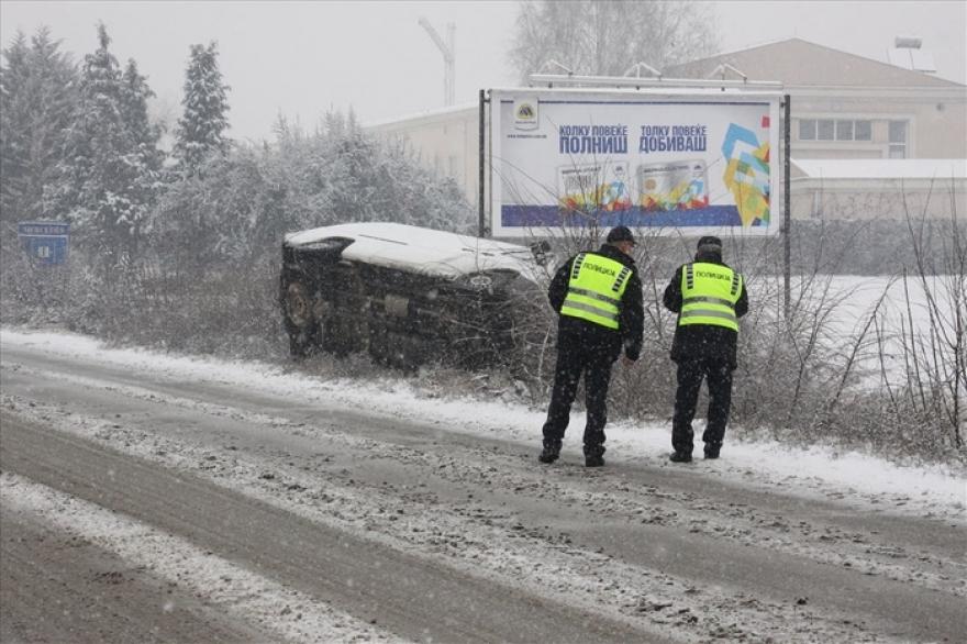 Во Скопје изминатото деноноќие 16 сообраќајки , 13 лица лесно повредени