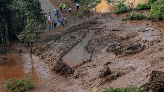 Евакуирани околу 700 лица: Постои опасност од попуштање на втора брана во Бразил