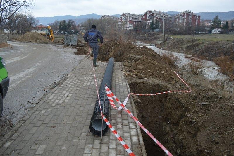 """Улицата """"12 Другари"""" во Кавадарци добива нова канализација"""