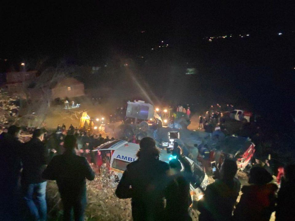 Херои од спасувачка акција: Влечеле тела од автобусот на смртта, еден од нив повреден продолжил да помага