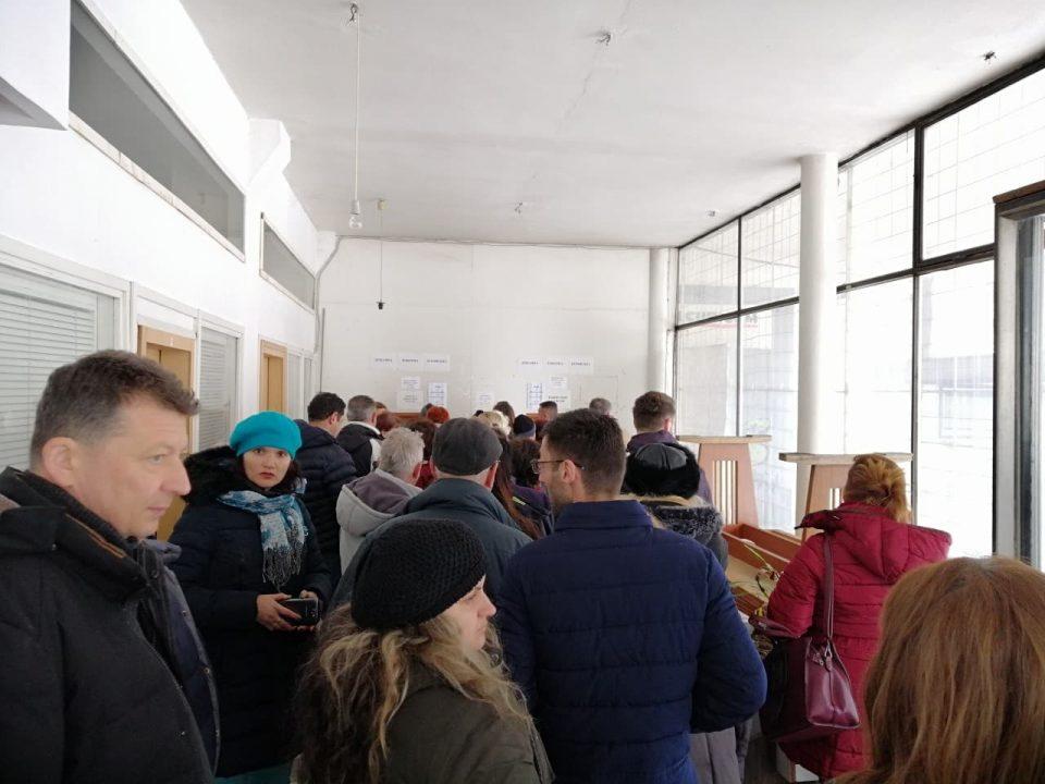 Силјановска започна со собирање на 10 илјади потписи- денеска доби масовна поддршка во Битола (ФОТО)