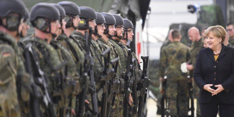 Во Германската армија минатата година уапсени седум екстремисти