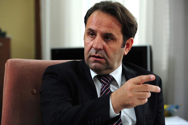 Љајиќ: Сега е момент за избори