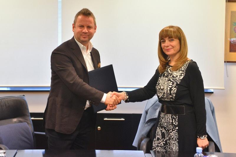 Алкалоид потпиша нов меморандум за соработка за програмата за практиканство со уште два факултети при УКИМ: Медицинскиот и Технолошко-Металуршкиот