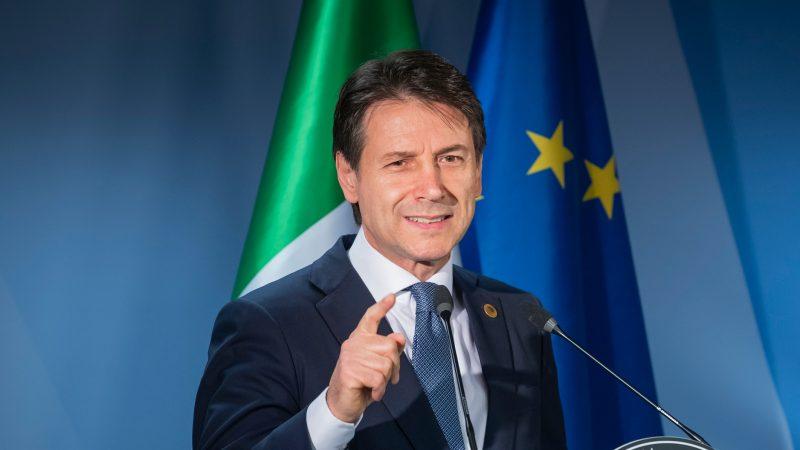 Конте во ЕП: Не се чувствувам како марионета, горд сум што го претставувам италијанскиот народ
