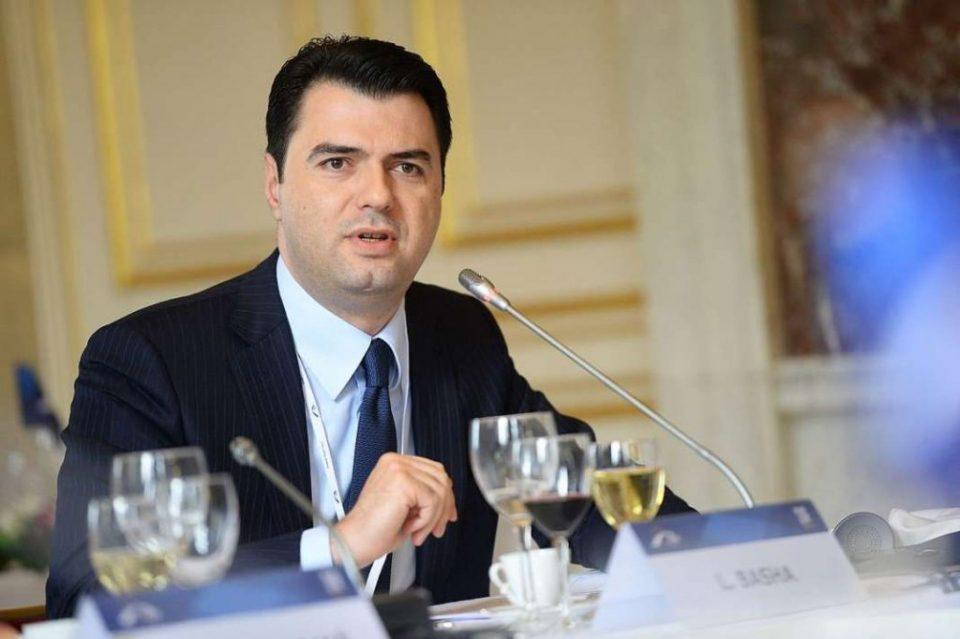 Баша не ја коментира изјавата на европарламентарците, бара преодна влада и избори