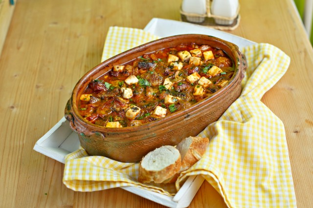 "Вкусно старо македонско јадење- ""Македонско грне"""
