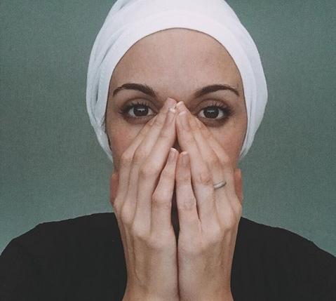 Балканската пејачка очајна: Имам 29 години, моето дете расте, а јас не знам дали ќе бидам жива