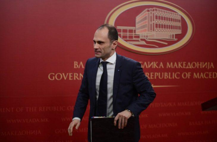 Филипче соопшти кога Македонија ќе ги отвори границите и градинките