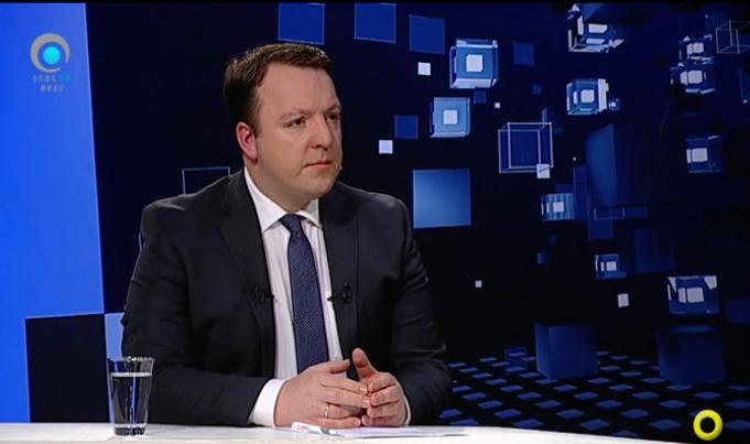 Николоски: Со ставањето на Македонија во група со Албанија, Заев му враќа услуга на Рама