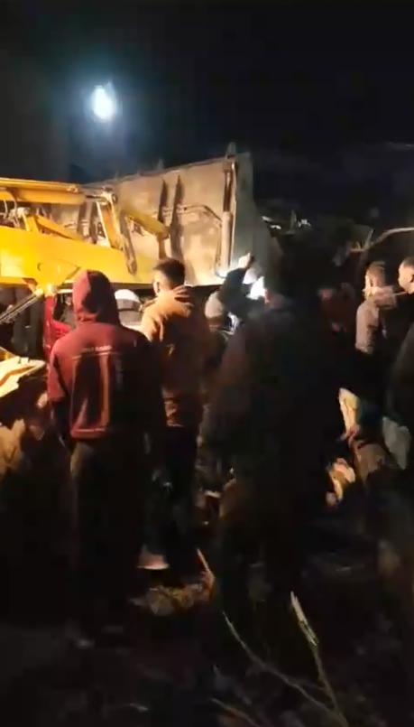 ФОТО: ХАОС на автопатот Скопје-Тетово, едвај се извлекуваат луѓето од автобусот