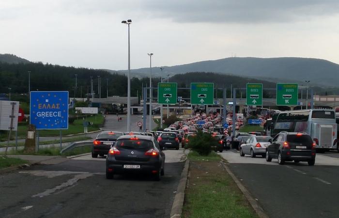 ГРАНИЧНИОТ ПРЕМИН СЕ УШТЕ БЛОКИРАН- еве колку време се чека попладнево за влез во Грција