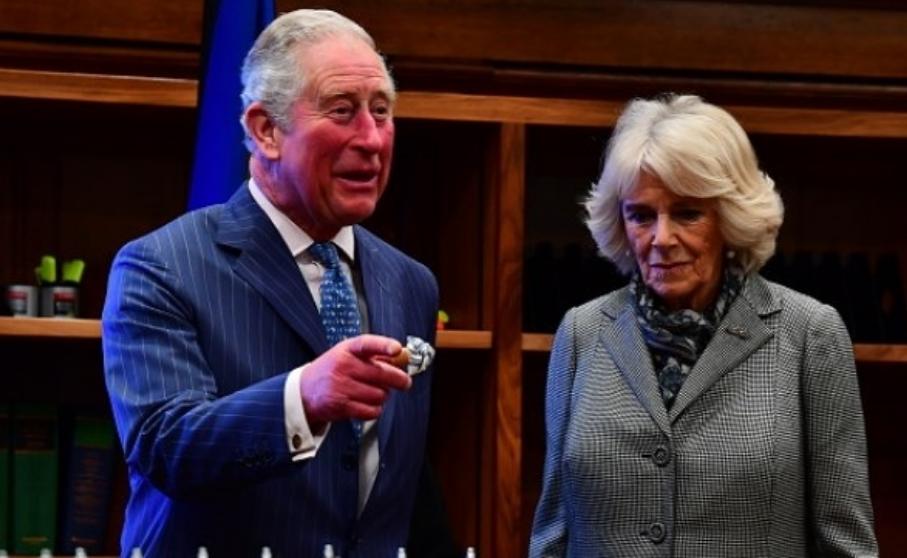 Нов скандал во кралското семејство: Принцот Чарлс има вонбрачен син? (ФОТО)