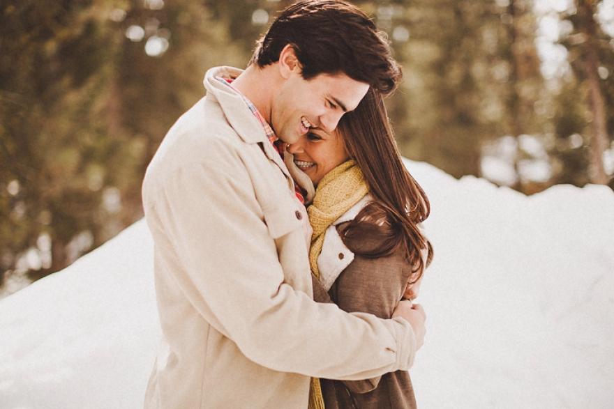 Дали остана некој што знае лудо да љуби?