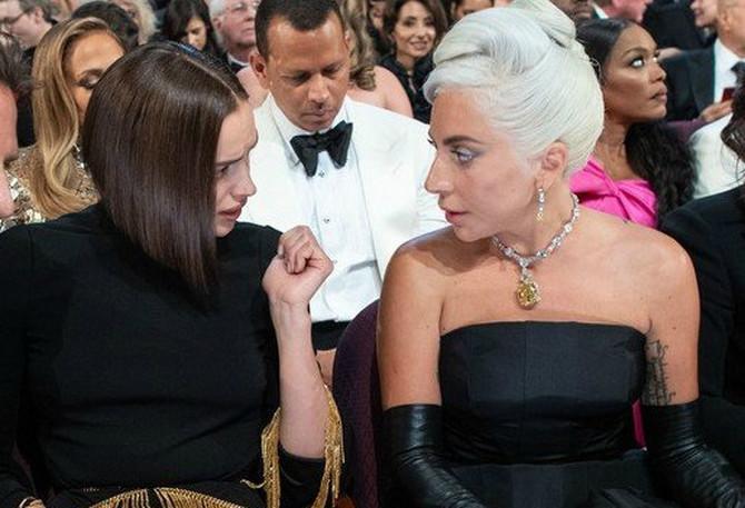 Ирина и` удри виртуелен шамар на Лејди Гага