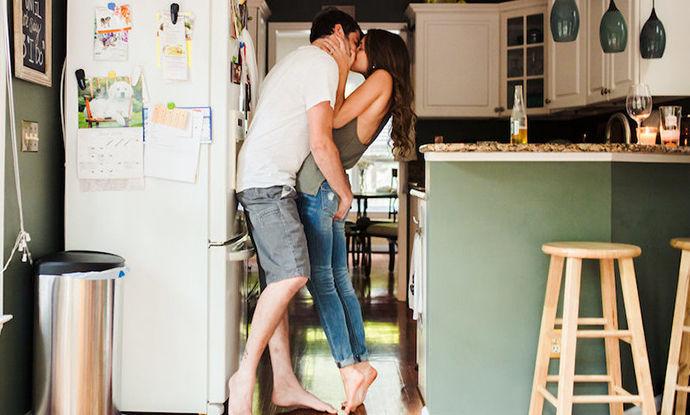 За подобар секс – средувајте по дома заедно со партнерот