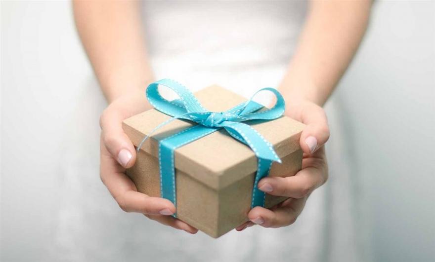 Подароци со лоша енергија: 6-те работи кои не треба да ги подарувате во ниту еден случај