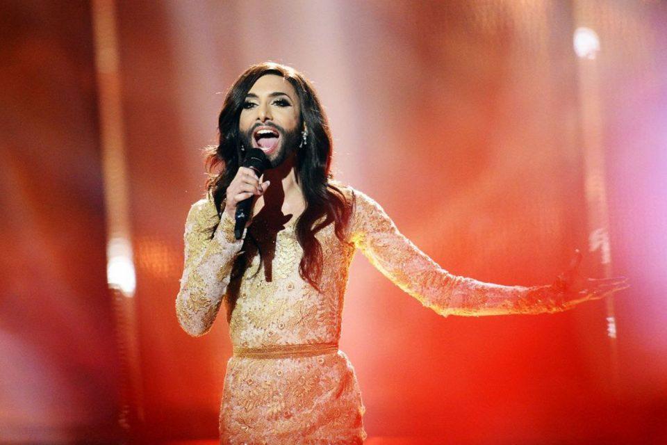 Победничката на Евровизија направи потполна трансформација: Кончита Вурст се ишиша ќелава и ги запрепасти фановите (ФОТО)