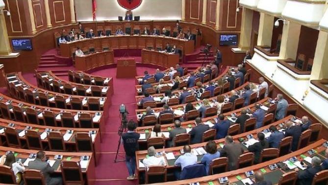 Албанија: Власта апелира до опозицијата да гласа за изборните реформи