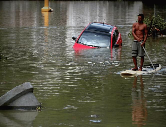 Најмалку шестмина загинати во невреме во Рио