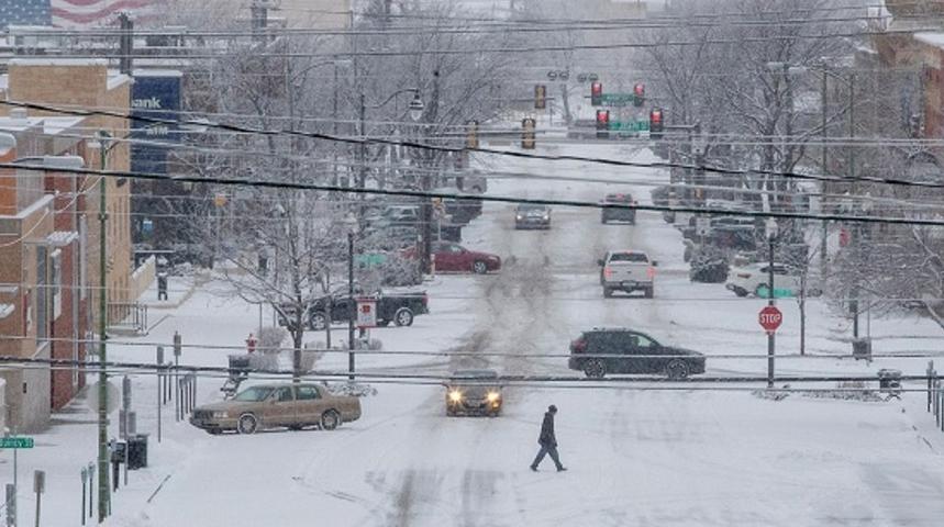 Поради невреме затворени училиштата во северозападниот дел на САД