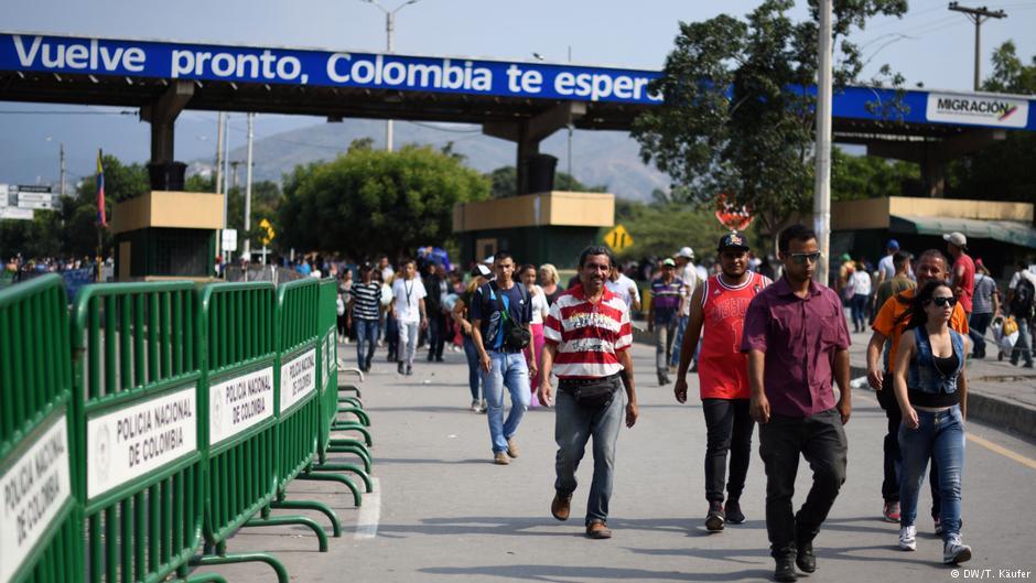 Венецуела ги затвора границите
