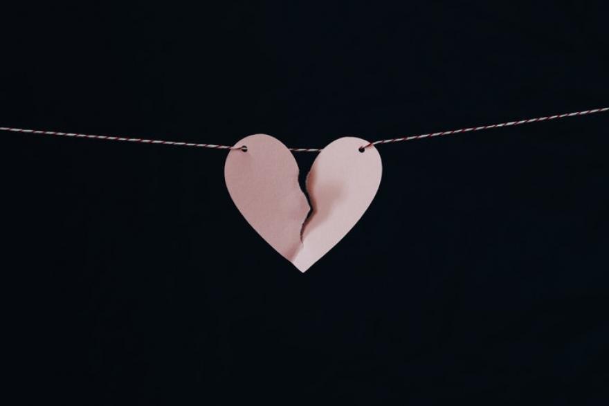 Овие четири хороскопски знаци воопшто немаат среќа во љубовта