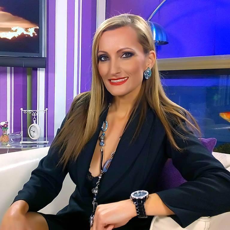 """""""Секси баба"""": Сузана Турунџиева наполни 50 години"""