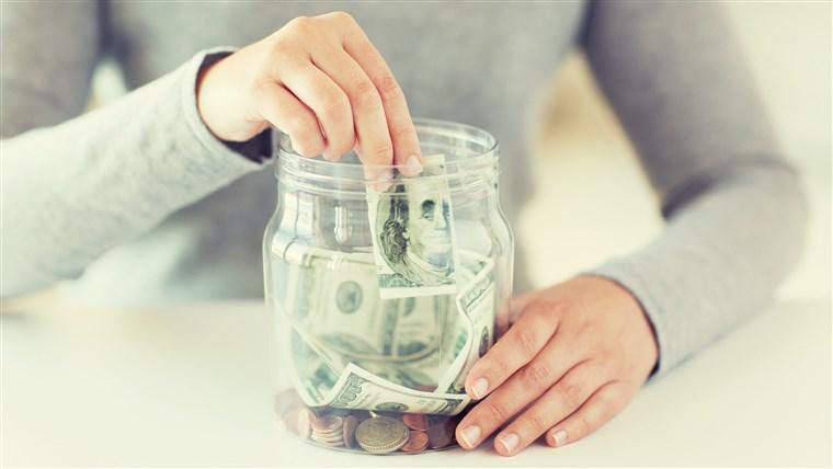 3 хороскопски знаци на кои април ќе им донесе пари: Очекувајте среќа во кариерата и финансиите