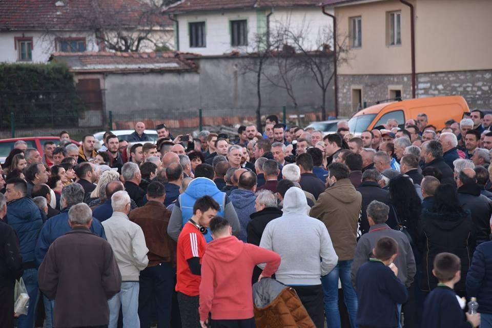 Мицкоски на средба со граѓани во кичевско: Власта сака да не втурне во црно сценаријо на поделби, неправди и прогон- да се избориме за Македонија!