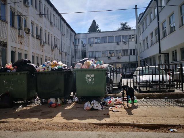 Вистинското лице на Охрид е позади општинската зграда: Георгиески и Грданоски работат ли нешто? (ФОТО)