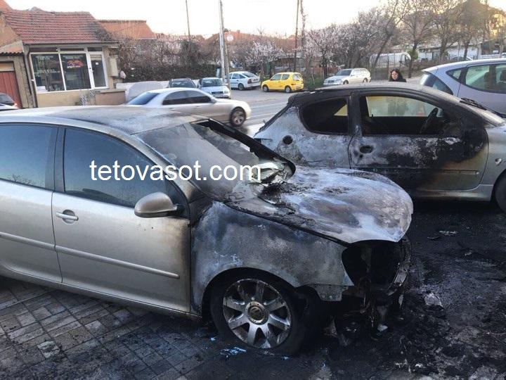 Автомобил на полицаец изгоре во Чаир, причините сѐ уште се непознати (ФОТО)