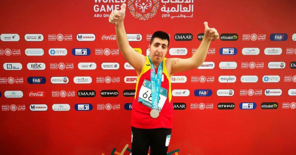 Уште еден херој од Специјалната олимпијада: Македонскиот атлетичар освои два медала во Абу Даби