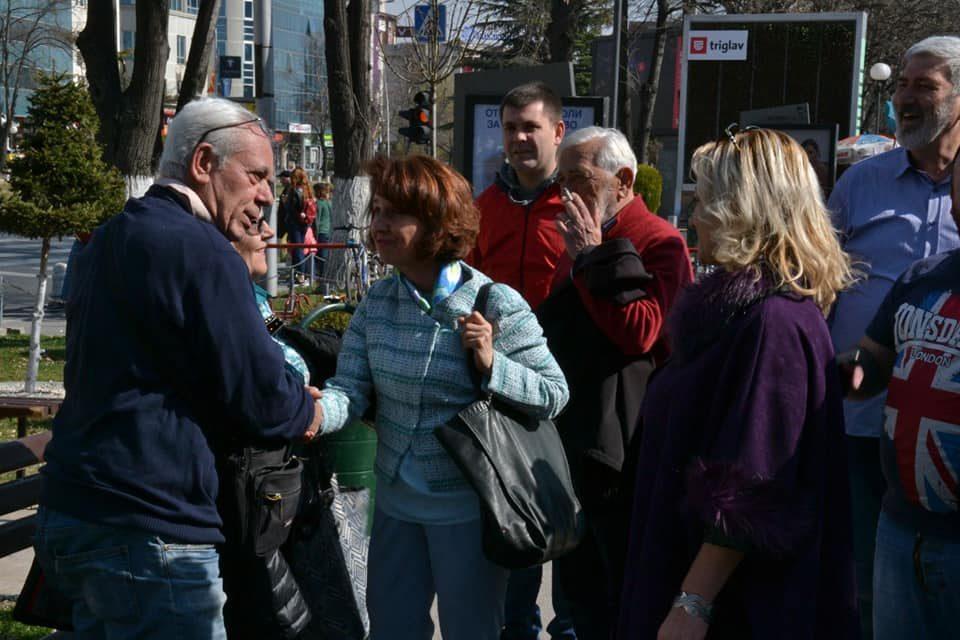 Силјановска на средба со пазарџиите: Зголемените даноци ги земаат првите жртви