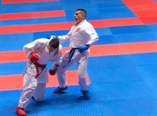 Емил Павлов ќе се бори за бронзата на ЕП, во полуфиналето од Русинот Плахутин
