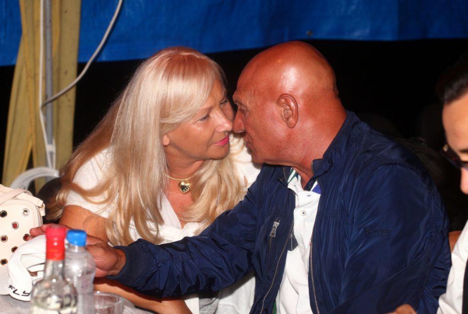 Пејачот и ја препишал куќата, таа на овој начин му враќа- еве што ќе и направи сопругата на Шаулиќ на вилата вредна 1 милион евра