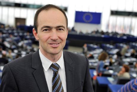 Ковачев не сака да го спомене ниту македонскиот јазик: Во ЕУ ќе влезете откако ќе решиме кои биле Делчев, Груев и Татарчев
