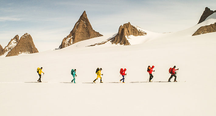 """""""Рамноземјаши"""" тргнуваат на пат: Мислат дека Земјата е рамна плоча, па на Антарктикот ќе го бараат ѕидот"""