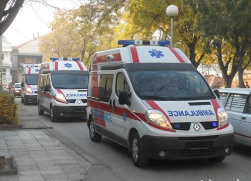 Работник од Куманово итно пренесен во болница